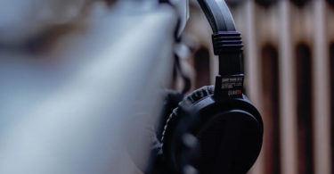 Guide to Choosing the Right Wired or Wireless Gaming Headset